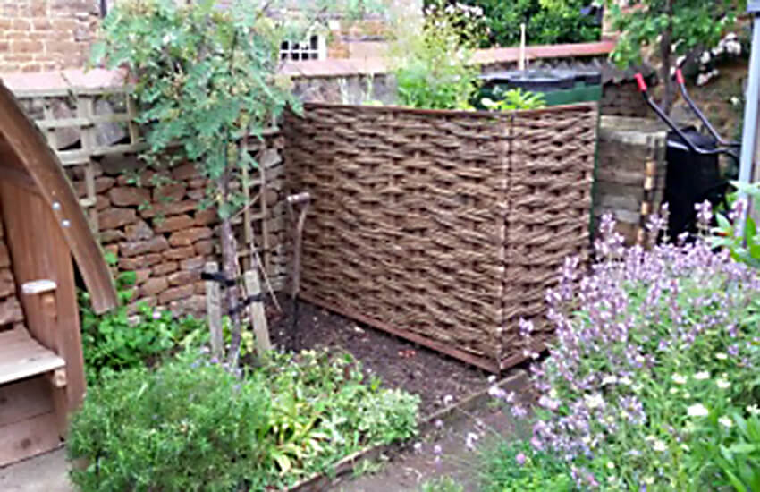 Woven Willow Hurdle Bin Screen